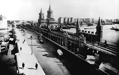 Postcard Oberbaum bridge with the elevated railway, around 1905, archive FHXB museum